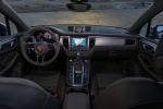 Picture of 2016 Porsche Macan S Cockpit
