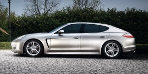 2011 Porsche Panamera Reviews / Specs / Pictures / Prices