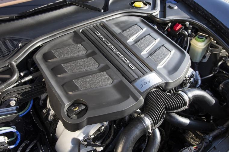 2014 Porsche Panamera 4S 3.0-liter V6 twin-turbo Engine Picture