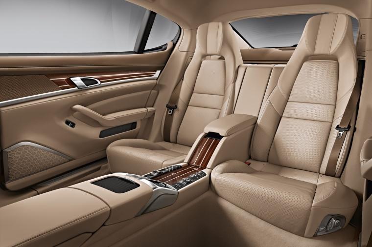 2014 Porsche Panamera 4S Rear Seats Picture