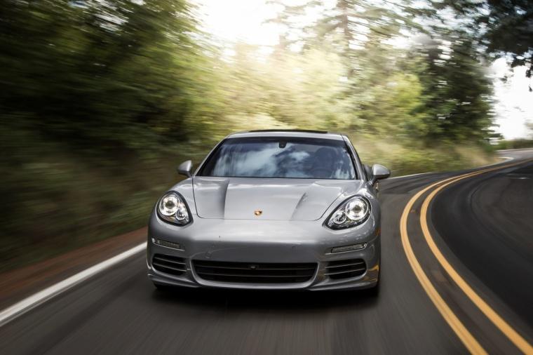 2014 Porsche Panamera 4S Picture