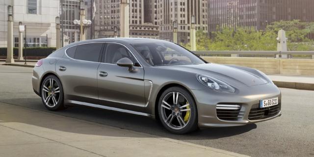 2014 Porsche Panamera Pictures