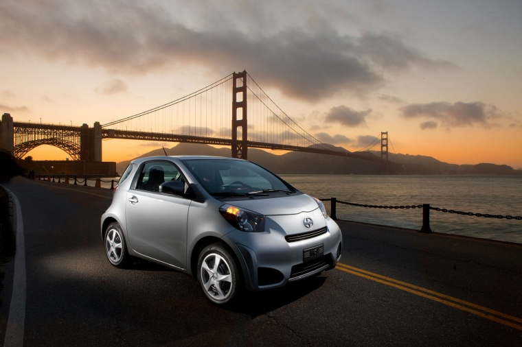 2015 Scion iQ Picture