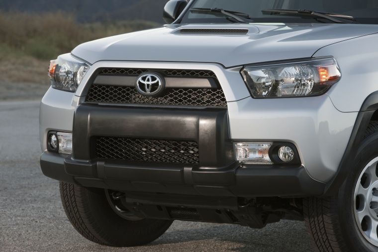 2011 toyota 4runner trail headlights picture image. Black Bedroom Furniture Sets. Home Design Ideas