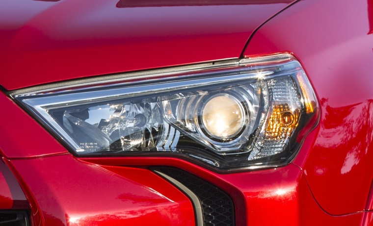 2018 Toyota 4Runner TRD Off Road Headlight Picture