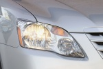 Picture of 2010 Toyota Avalon Limited Headlight