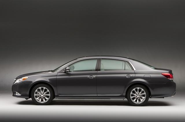 2011 Toyota  Avalon Picture