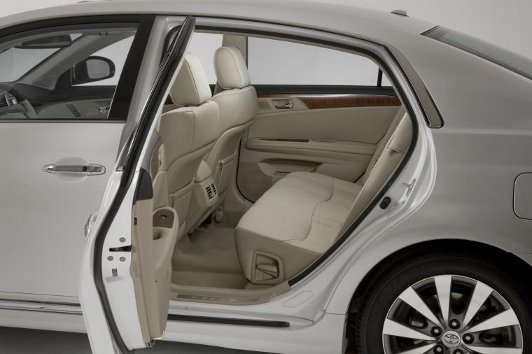 2012 Toyota Avalon Interior Picture