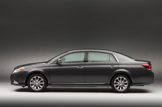 2012 Toyota  Avalon Picture