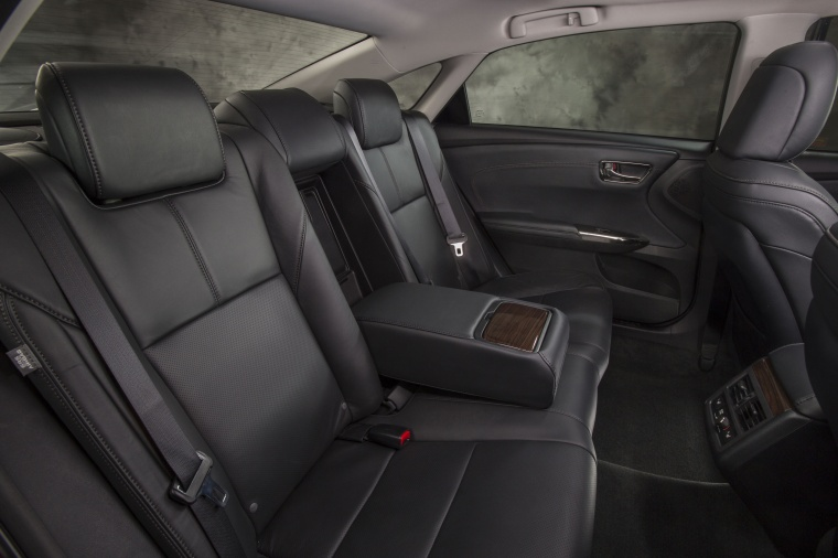 2013 Toyota Avalon Rear Seats Picture