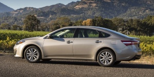 2013 Toyota Avalon Reviews / Specs / Pictures / Prices