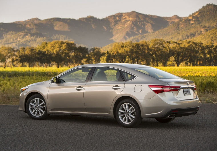 2014 Toyota Avalon XLE Picture