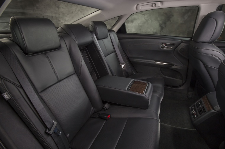 2014 Toyota Avalon Rear Seats Picture