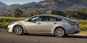 2014 Toyota Avalon Pictures