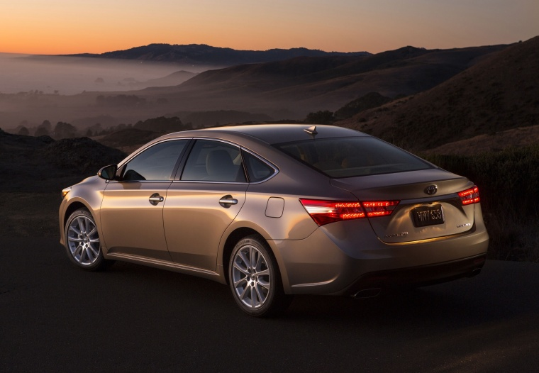2015 Toyota Avalon Limited Picture