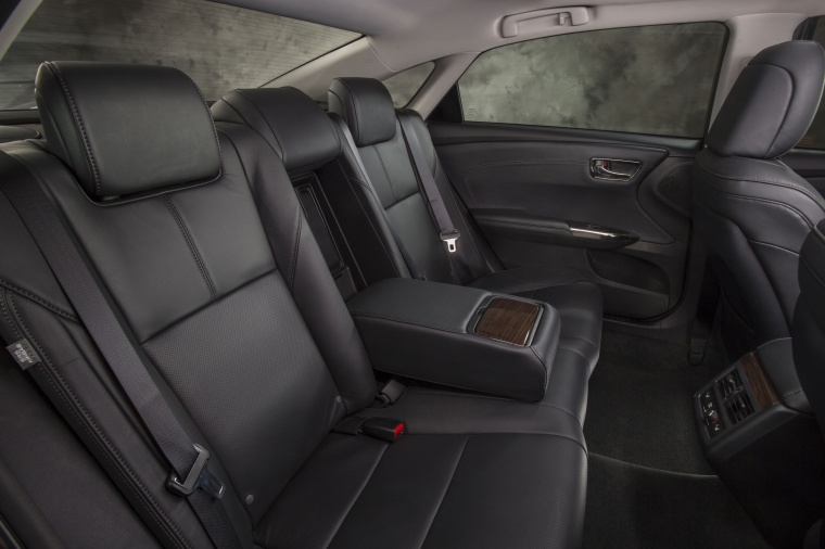 2015 Toyota Avalon Rear Seats Picture