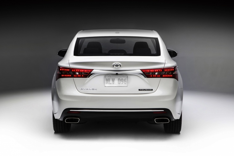 2017 Toyota Avalon Touring Picture