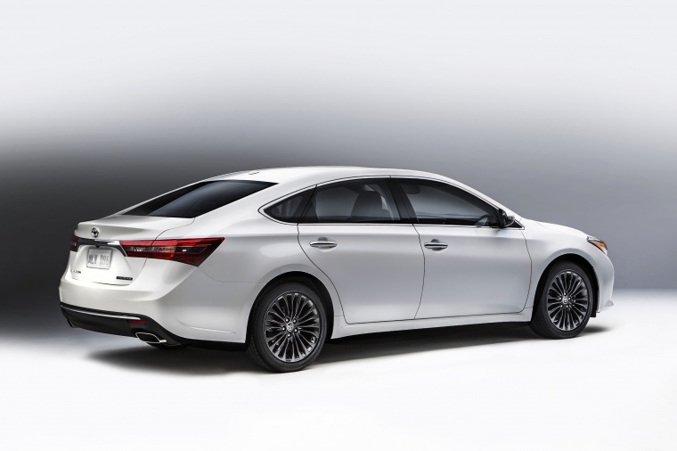 2017 Toyota Avalon Touring Static Rear Right Three Quarter View Picture