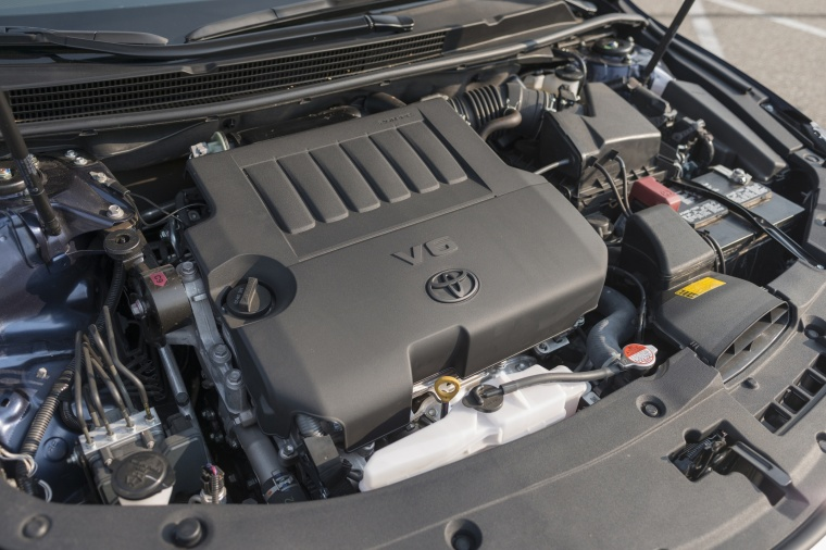 2017 Toyota Avalon Limited 3.5-liter V6 Engine Picture