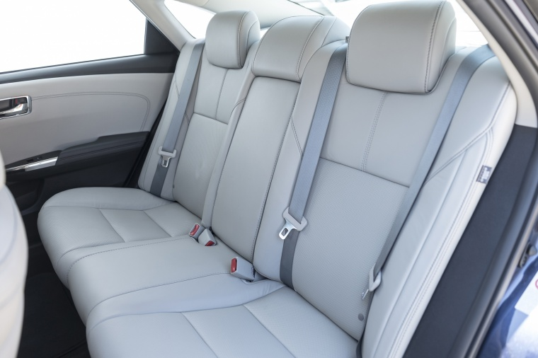 2017 Toyota Avalon Limited Rear Seats Picture