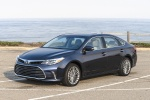 2017 Toyota Avalon Limited in Parisian Night Pearl - Static Front Left Three-quarter View