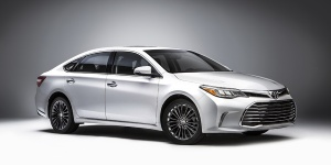 2017 Toyota Avalon Pictures