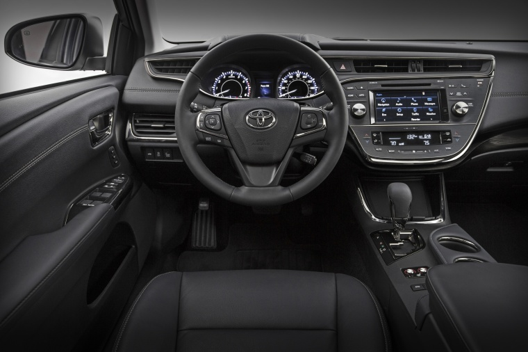 2018 Toyota Avalon Touring Cockpit Picture