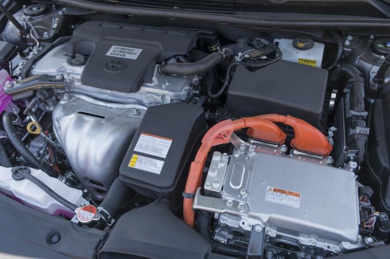 2018 Toyota Avalon Hybrid Limited 2.5-liter 4-cylinder Hybrid Engine Picture