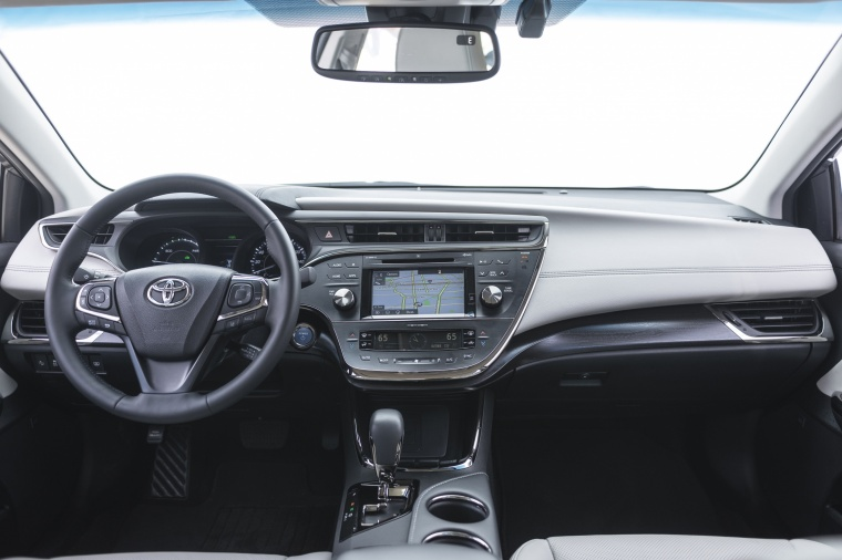 2018 Toyota Avalon Hybrid Limited Cockpit Picture
