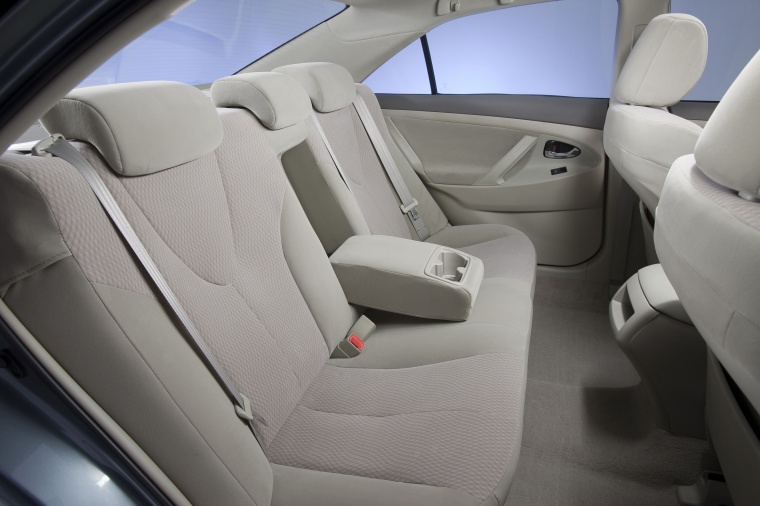 2011 Toyota Camry Le Rear Seats In Bisque Color Picture Image