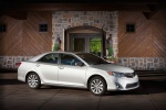 2013 Toyota Camry XLE in Classic Silver Metallic - Static Front Right View