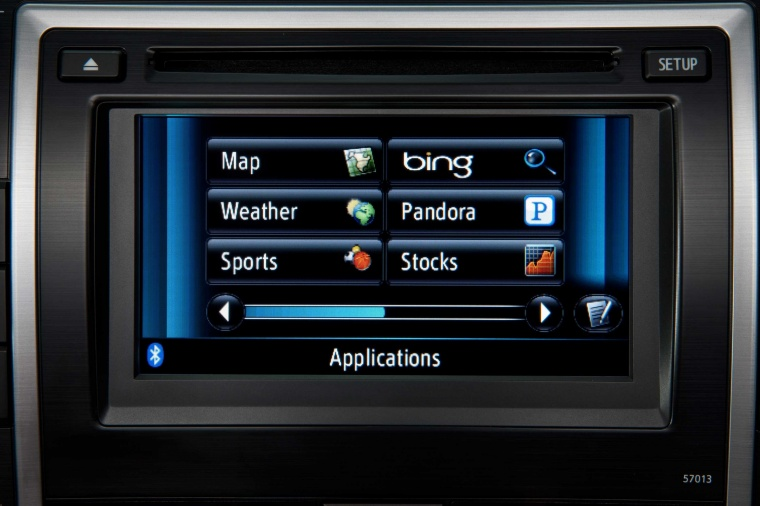 2014 Toyota Camry XLE Dashboard Screen Picture
