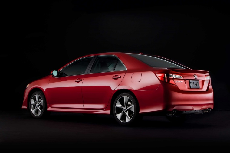 2014 Toyota Camry SE Picture