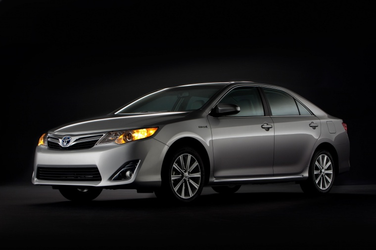 2014 Toyota Camry Hybrid XLE Picture