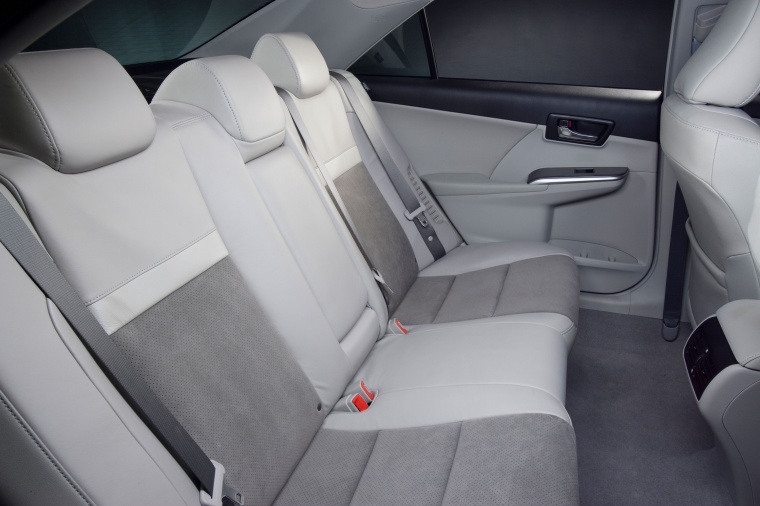 2014 Toyota Camry Hybrid XLE Rear Seats Picture