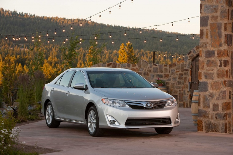 2014 Toyota Camry XLE Picture