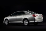 2014 Toyota Camry Hybrid XLE in Classic Silver Metallic - Static Rear Three-quarter View
