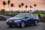 2015 Toyota Camry Hybrid SE in Blue Crush Metallic - Status Front Left Three-quarter View