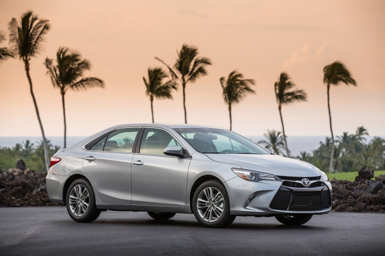 2017 Toyota Camry SE in Celestial Silver Metallic from a front right three-quarter view