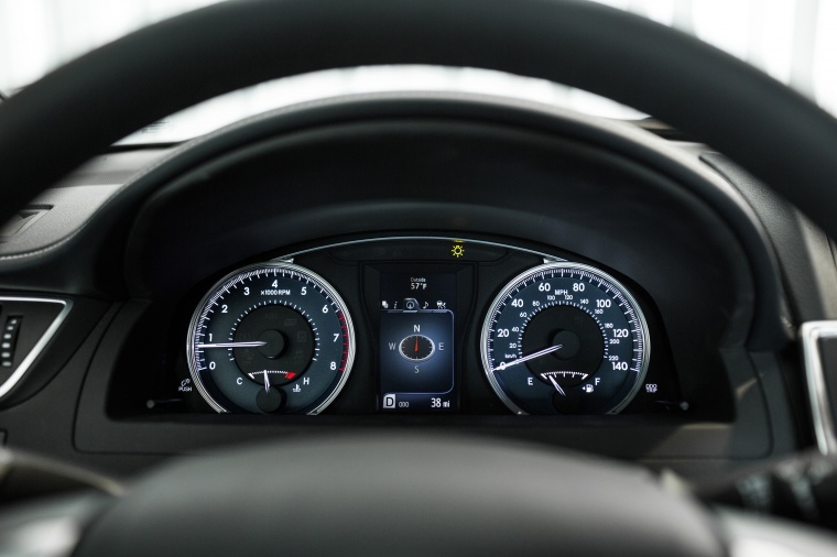 2017 Toyota Camry SE Gauges Picture