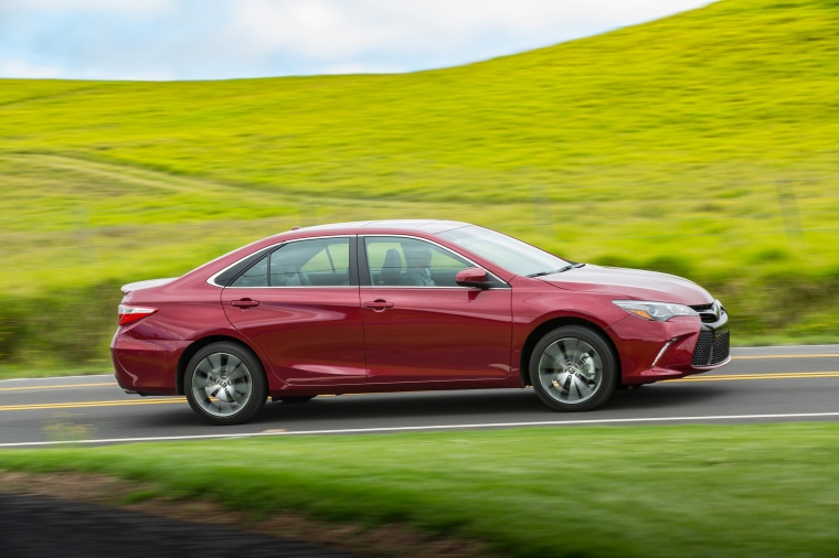 2017 Toyota Camry XSE Picture