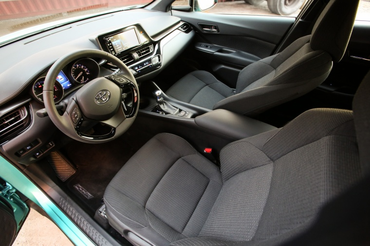 2018 Toyota C-HR Front Seats Picture