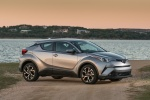 Picture of a 2018 Toyota C-HR in Silver Knockout Metallic from a front right three-quarter perspective