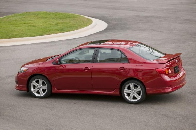2010 Toyota Corolla XRS Picture