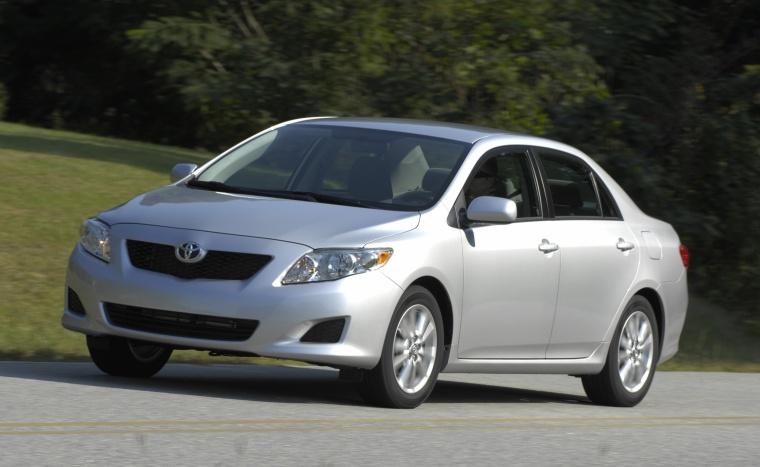 2010 Toyota Corolla XLE in Classic Silver Metallic Color - Driving ...