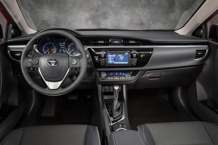 2016 Toyota Corolla S Premium Cockpit Picture