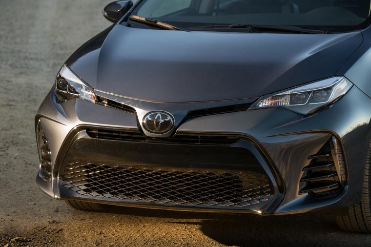 2017 Toyota Corolla XSE Front Fascia Picture