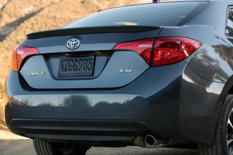 2017 Toyota Corolla XSE Rear Fascia Picture