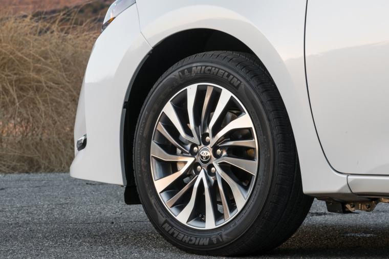 2017 Toyota Corolla LE Eco Rim Picture