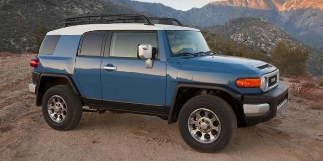 Research the 2014 Toyota FJ Cruiser
